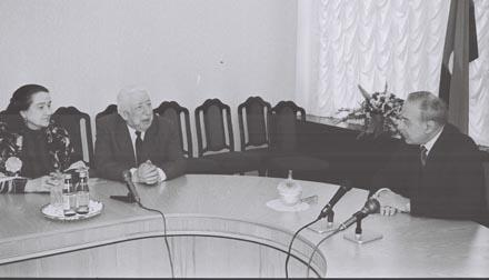 Азиз Алиев, Самед Вургун, Расул Гамзатов ... и еще -