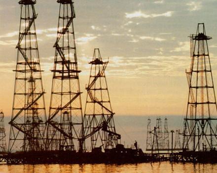 Цены на нефть устремились к 70 долларам за баррель