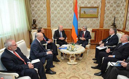 Ереван держит оборону