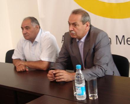 СМИ всех азербайджанцев, объединяйтесь!