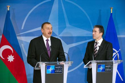 НАТО перед Чикагским саммитом