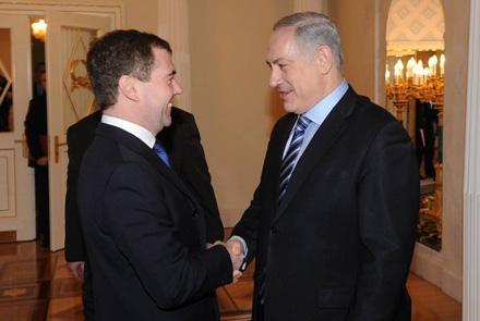 Нетаньяху нужны санкции,