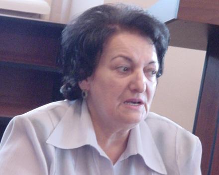 Эльмира Сулейманова выступает в роли посредника