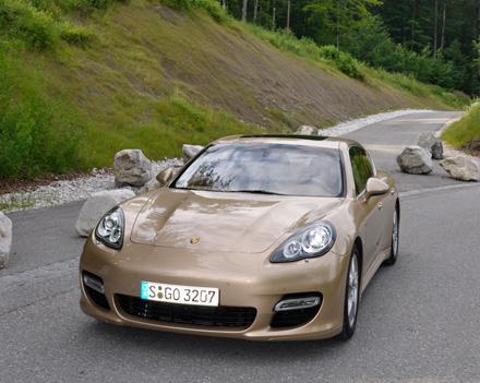 Роскошная динамика от Porsche