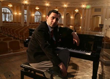 """Муpад Гусейнов: """"Надо быть благодаpным каждому, кто пpиходит слушать музыку"""""""