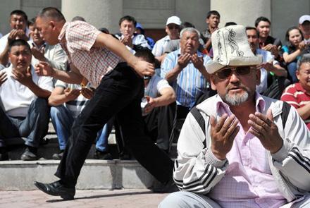 В Кыргызстане реализуется идея внешнего управления?