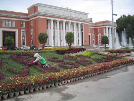 Быть ли русскому языку вторым государственным в Таджикистане?